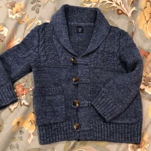 Baby Gap toddler sweater with buttons and pockets